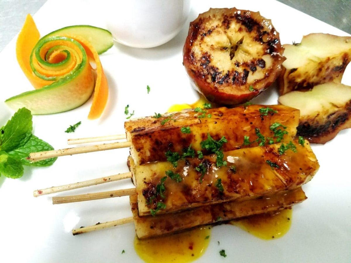 Grilled pineapple cinnamon