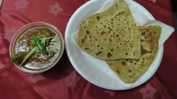 paratha with chicken curry
