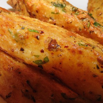 Homemade spicy potato wedges