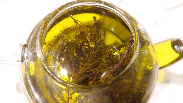 thyme olive oil