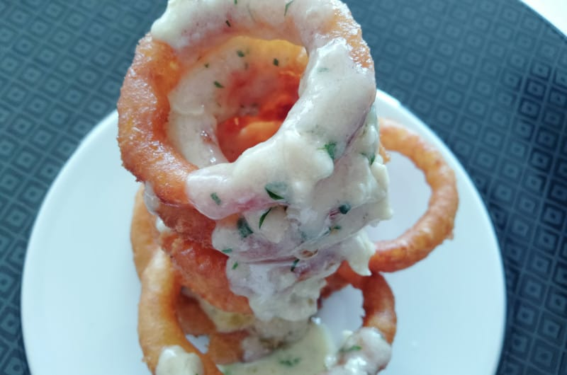 melted brie with onion rings